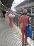 Are Japanese train-cleaners faster than a speeding bullet?